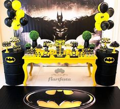 In the dark of night or a birthday, Batman saves the day! Kara's Party Ideas presents a Black and Yellow Batman Birthday Party to die for! Lego Batman Party, Lego Batman Birthday, Superhero Birthday Party, 3rd Birthday Parties, Boy Birthday, Batgirl Party, Avengers Birthday, Birthday Ideas, Batgirl