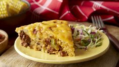 Bisquick® mix bakes up with favorite barbecue sauce and beef for a winning taste combo. Bisquick® mix bakes up with favorite barbecue sauce and beef for a winning taste combo. Easy Cheeseburger Pie Recipe, Impossibly Easy Cheeseburger Pie, Bisquick Recipes, Meat Recipes, Cooking Recipes, Carbquik Recipes, Supper Recipes, Pasta Recipes, Healthy Recipes