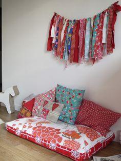 matelas au sol idees deco pinterest. Black Bedroom Furniture Sets. Home Design Ideas