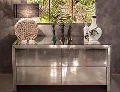 """""""Nossos aparadores e cômodas  de espelho já são um super sucesso, uma dica que super valoriza é voce combinar com vasos de cerâmica pintados à mão e o…"""""""