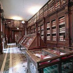 """""""Terre da sfogliare"""", i libri delle banche narrano le Campania-http://napoli.repubblica.it/cronaca/2016/11/14/news/_terre_da_sfogliare_la_storia_nei_libri-151993835/"""
