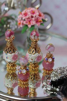 Fairy Furniture, Doll Furniture, Furniture Sets, Miniature Crafts, Miniature Dolls, Diy Arts And Crafts, Bead Crafts, Diy Dollhouse, Dollhouse Miniatures
