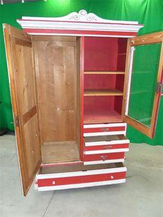 Karner & Dechow Industrie Auktionen - Holzschrank, 3 Türen, 4 Laden, 1,20 x 0,50 x 1,80 - Postendetails