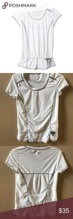 Athleta White Top Great Condition! Has little to no  wear Athleta Tops