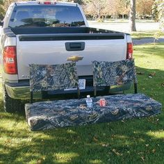 OMG...genious! Bench attaches to hitch, this would be perfect for camping...or tailgating! even has cupholders....