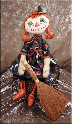Miss Mayhem cloth doll witch  Created by Paula Carter  www.allbear.co.uk    #doll #dolly #witch #Halloween #artdoll