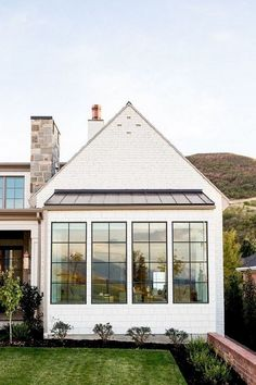 Painted Brick Home exterior and black steel windows. Modern farmhouse exterior… Painted Brick Home exterior and black steel windows. Modern Farmhouse Exterior, Farmhouse Style, Rustic Farmhouse, Farmhouse Windows, Farmhouse Ideas, Farmhouse Design, French Farmhouse, Farmhouse Addition, Farmhouse Door