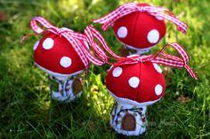 little mushroom houses
