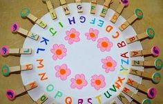 Alphabet match on a paper plate from Family days. Tried & tested. Preschool Learning Activities, Educational Activities, Classroom Activities, Toddler Activities, Kids Learning, Learning Letters, Family Crafts, Crafts For Kids, Alphabet Games