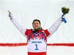 Alex Bilodeau a conservé son titre en bosses hommes aux Jeux olympiques  d'hiver de Sotchi avec un impressionnant score de 26.31 confirmant ainsi la domination du Canada dans cette discipline.