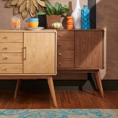 With plenty of room to systemize your space this table offers 4 storage drawers and 2 cabinets.