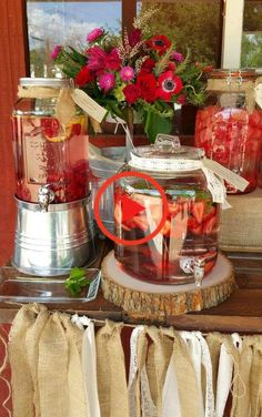 Flavored water drink station at a country rustic rehearsal dinner party! See more party planning ideas at Flavored water drink station at a country rustic rehearsal dinner party! See more party planning ideas at Rustic Rehearsal Dinners, Rehearsal Dinner Decorations, Wedding Rehearsal, Rehearsal Dinner Bbq, Burlap Party, Birthday Dinners, Birthday Table, Rustic Wedding, Wedding Ideas