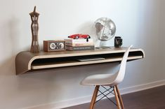 Minimal Wall Desk   Walnut   Large - Pre-Order