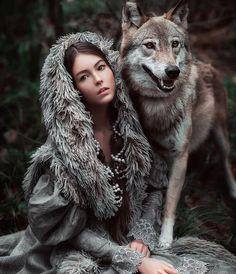 Animals are people just like us Wolf Photography, Fantasy Photography, Wolf Photos, Wolf Pictures, Wolf Spirit, Spirit Animal, Beautiful Creatures, Animals Beautiful, Art Indien