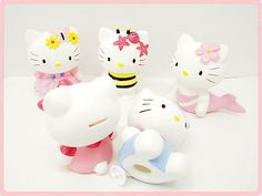 Cute #hello #kitty moneyboxes / piggy #banks, View more on the LINK: http://www.zeppy.io/product/gb/2/180943407101/