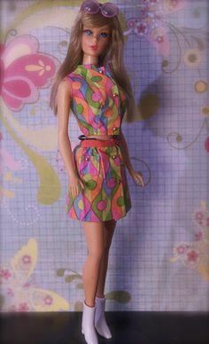Barbie - Twist n' Turn Barbie - summer sand