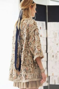 """CHANEL Cruise 2017-18 in Paris : """"The Modernity of Antiquity"""", an ideal vision of Ancient Greece as imagined"""