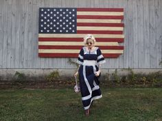 Prairie chic for a fall wedding in New Hampshire. See more on the blog! #bohodress #hippiedress #weddingstyle #fallwedding #edwardianboots #floralbag #americanflag