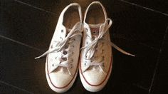 Imagen titulada Clean White Converse Step 6