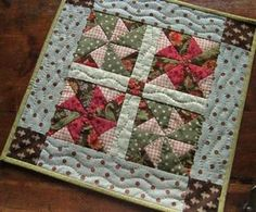 A Sweet Little Quilt for a Doll or Your Table – Quilting Digest Pinwheel Doll Quilt or Table Mat Cute Quilts, Lap Quilts, Small Quilts, Mini Quilts, Quilt Blocks, Quilt Kits, Small Quilt Projects, Quilting Projects, Quilting Designs