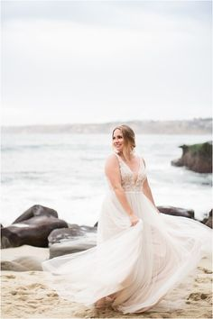 Gorgeous wedding photo from Rebekah Meredith photography. I love this pose. La Jolla Cove, Bridal Gowns, Wedding Dresses, Wedding Photo Inspiration, Wedding Photos, Wedding Photography, Poses, Beauty, Fashion