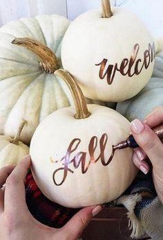 pumpkin wedding decor / http://www.himisspuff.com/fall-pumpkins-wedding-decor-ideas/2/