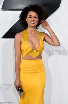 """These 15 sexy actresses from """"Game of Thrones"""" who like the small screen . - These 15 sexy Game of Thrones actresses who ignite the small screen - Gossip Girls, Beautiful Celebrities, Beautiful Actresses, Sexy Outfits, Look Kim Kardashian, Nathalie Emmanuel, Sexy Women, Yellow Gown, Femmes Les Plus Sexy"""