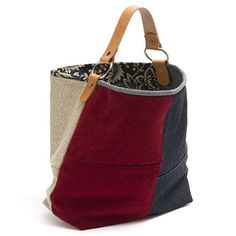 BIG-BAG Tasche, Beutel Stil, Stoff, gefüttert. Griff in Leder. Magnetverschluss. 100 % Original handgefertigte & Design von AnaCaracciolo. Alle unsere Produkte werden kontrolliert und richtig nummeriert. Kurzen Griff-43 cm Maße: 48 x 38 x 20 cm, 9 x 14, 18-Zoll-.87 96 x 7 Eine der begehrtesten Taschen des Augenblicks ist der Geldbeutel Bag! Auch bekannt als Bucket Bag. Dieses Modell war einen großen Erfolg in den zehn Jahren von 90, kam zurück im großen Stil, Mode. Die base-Strukt...