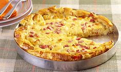 Torta do Reino, ham and cheese pie. Cheese Pies, Ham And Cheese, Macaroni And Cheese, Salty Foods, Hawaiian Pizza, Cooking Time, Carne, Good Food, Eat