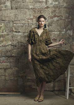Rosie Assoulin Resort 2017 Fashion Show  http://www.vogue.com/fashion-shows/resort-2017/rosie-assoulin/slideshow/collection#20