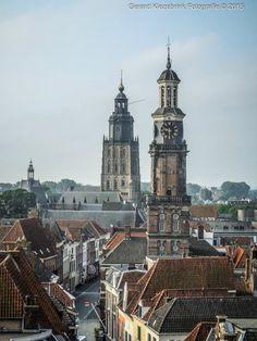 Wijnhuistoren, Lange Hofstraat en Sint Walburgiskerk