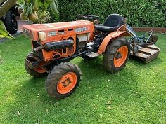 Kubota Compact Tractor topper chain harrows grass roller tip link box Small Garden Tractor, Thermostat Cover, Tractor Accessories, Lawn Mower Tractor, Roller Chain, Kubota Tractors, Classic Tractor, Compact Tractors, Boxer