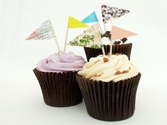 Washi Tape Flags in cupcakes Cupcake Flags, Cupcake Toppers, Cake Table, Washi Tape, Bunting, Easy Crafts, Cupcakes, Treats, Bride