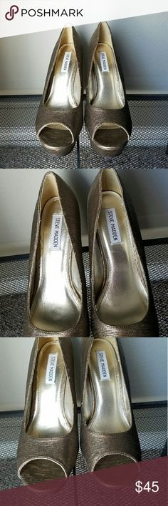 Steve Madden Sparkly Wedges These are so gorgeous! Almost no wear. Perfect condition. Has an approx. 6 inch heel with a 1-2inch platform Steve Madden Shoes Wedges