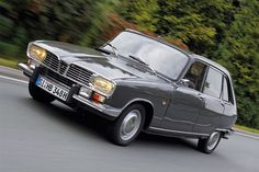 Car of the Year-Historie: Die Highlights aus 54 Jahren Renault 16 - Car of the Year 1966 Chevy Impala, Peugeot 3008, Auto Motor Sport, Motor Car, Vintage Bikes, Vintage Cars, Classic Motors, Classic Cars, My Dream Car