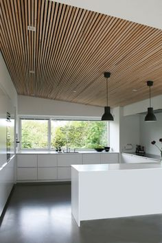 M&T notice the ceiling Garage Interior, Kitchen Interior, Kitchen Design, Loft Design, House Design, Scandinavian Living, Wood Ceilings, Living Room Tv, Interior Inspiration