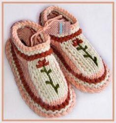 http://tejidoskangl.blogspot.mx/2011/12/propuestas-para-el-curso-de-pantuflas.html