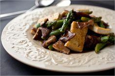 Recipes for Health - Stir-Fried Shiitake Mushrooms, Tofu and Asparagus - NYTimes.com