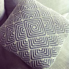 Knitted cushion by grandma Knitted Cushion Covers, Knitted Cushions, Knitted Blankets, Baby Knitting Patterns, Knitting Designs, Knitting Projects, Felt Pillow, Yarn Bombing, Knit Or Crochet
