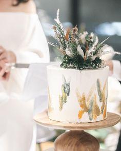 Wedding Cake Rustic, Elegant Wedding Cakes, Tent Wedding, Glamorous Wedding, Pretty Cakes, Beautiful Cakes, Bolo Chanel, Cake Toppers, Christmas Cake Designs