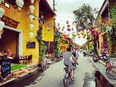 Hoi An is a peaceful and lovely little town on coast of central Vietnam. Hoi An Old Town offers the special things which you can not find in any where else Vietnam Destinations, Vietnam Tours, Hoi An Old Town, Vacation Trips, Vacation Travel, Covered Bridges, Picture Show, House Colors, Old Things