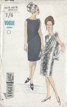 1960s Vintage VOGUE Sewing Pattern B36 DRESS (R865)