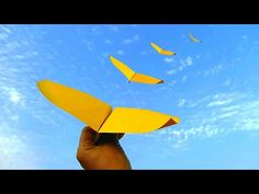 How to make Flying Paper Plane ll Different flying paper plane ll Flies Cool Paper Crafts, Diy Crafts, Origami Paper Plane, Plane Crafts, Jet Fly, Fly Plane, Origami Tutorial, How To Make Paper, Diy Art