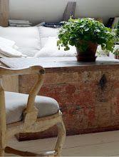 Master Henry: The Swedish lampklassikern . Antique Furniture, Painted Furniture, Furniture Design, Swedish Style, Swedish Design, Arched Interior Doors, Wishbone Chair, Elle Decor, Rustic Style