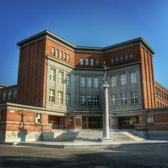 The Former State Rašín Grammar School in Hradec Králové (1925–1927, now J. K. Tyl Grammar School) by Josef Gočár #hradec_kralove #czech #old #architecture #grammar #school #gocar #rasin