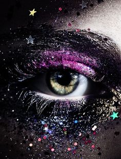 "fixatedonfashion: ""Beautiful glittery beauty shots by photographer Mierswa-Kluska. Eye Makeup, Makeup Art, Fairy Makeup, Mermaid Makeup, Real Techniques Brushes, Fotografia Macro, Eye Art, Beautiful Eyes, Pretty Eyes"