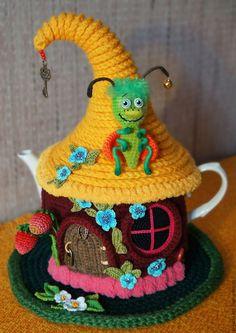 """Купить Грелка на чайник """"Букашкин домик"""" (с чайником) - грелка на чайник, грелка для чайника"""