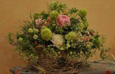 #Coș cu flori de #hydrangea și #paeonia cu #livrare în mun.#Chișinău, #Moldova