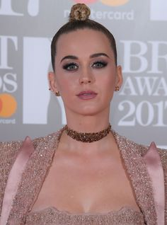 Watch Katy Perry Walk Out Of Awkward Brits Interview+#refinery29