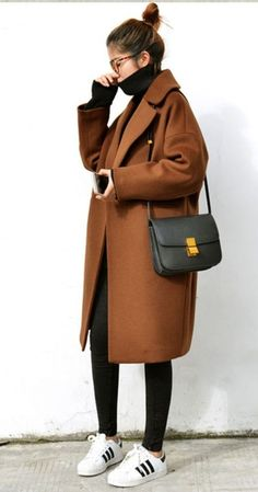 Camel Coat outfits are a modern classic, and the best way to stay warm, chic, sexy, and sophisticated this winter. Though Camel Coats has been a fashi. coat Favorite 70 Winter Outfits with a Camel Coat to Stay Chic and Warm Winter Outfits For Teen Girls, Winter Outfits For Work, Casual Winter Outfits, Winter Fashion Outfits, Look Fashion, Korean Fashion, Fall Outfits, Autumn Fashion, Fashion Coat